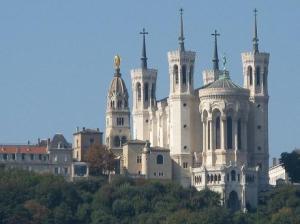 la-basilique-notre-dame-de-fourviere-a-lyon_4062_w460